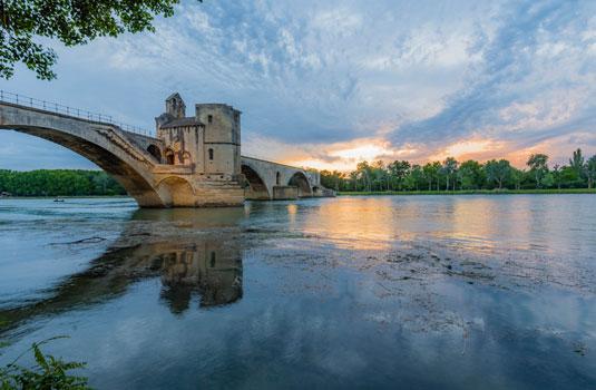 Die Brücke von Avignon ©Verneuil T.