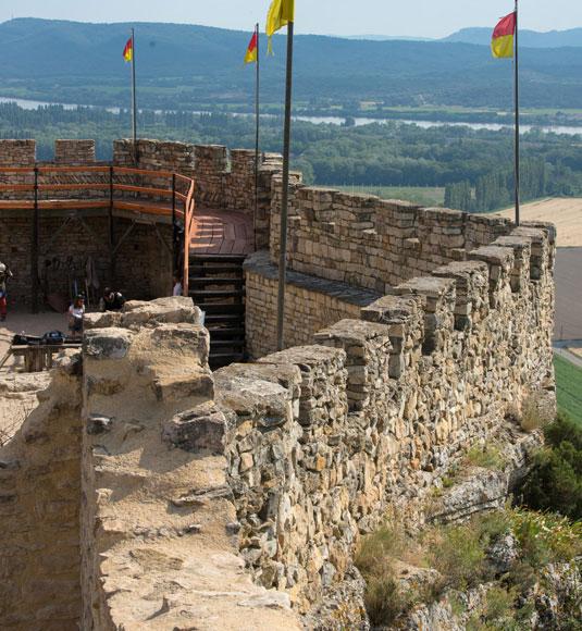 Mornas Festung