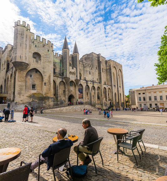 Der Papstpalast in Avignon ©Verneuil T.