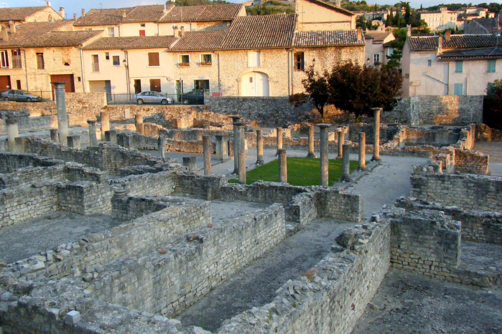 Spaziergang durch antike Stätten